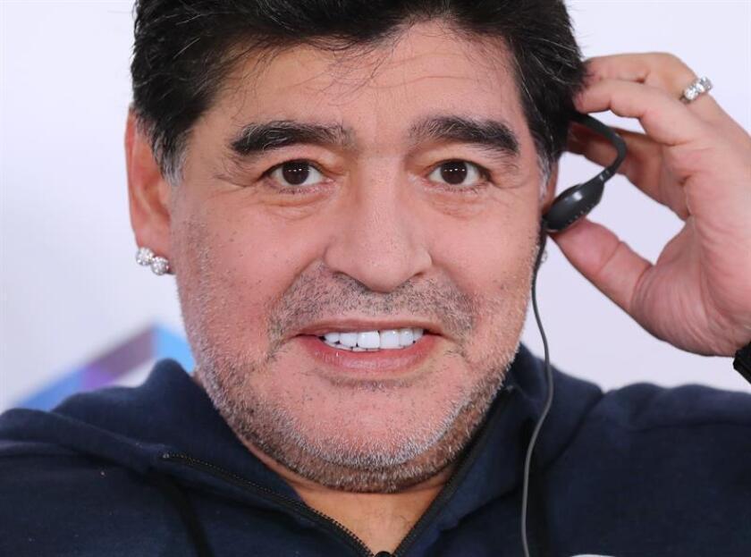 El argentino Diego Armando Maradona, héroe de la selección de su país que ganó la Copa Mundial de México 1986, fue anunciado hoy como nuevo entrenador de los Dorados de Sinaloa de la división de Ascenso de México. EFE/ARCHIVO