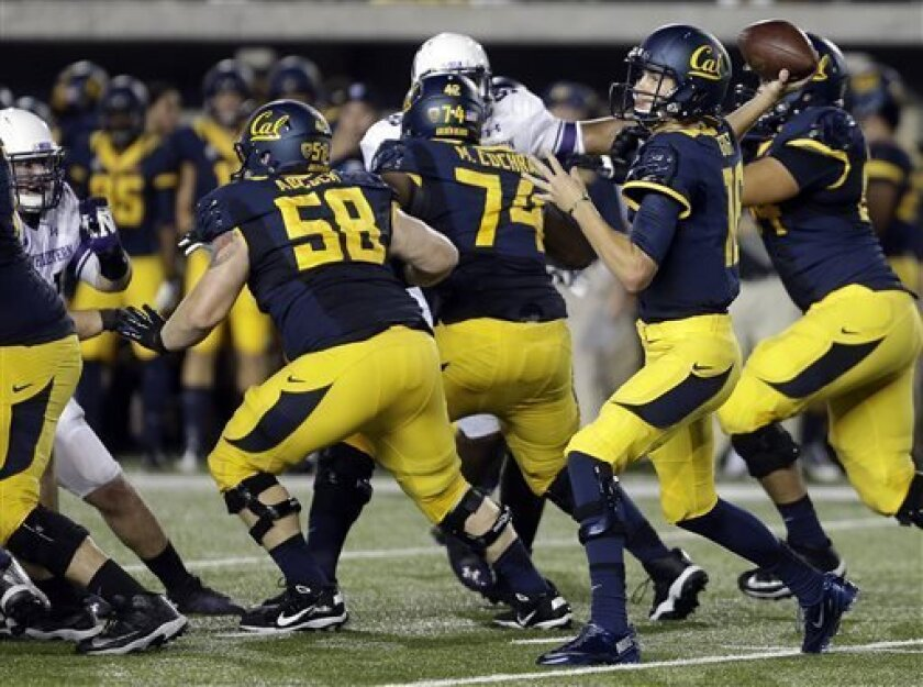 California quarterback Jared Goff passes against Northwestern during the first half of an NCAA college football game on Saturday, Aug. 31, 2013, in Berkeley, Calif. (AP Photo/Ben Margot)