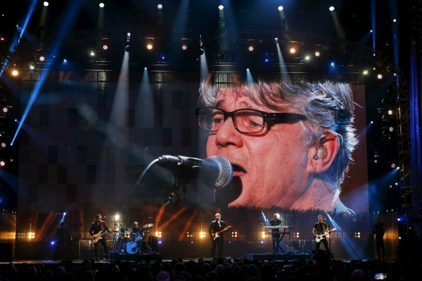 Singer Steve Miller (C) performs onstage during the 31st annual Rock and Roll Hall of Fame Induction Ceremony at the Barclays Center in Brooklyn, New York April 8, 2016. REUTERS/Eduardo Munoz ** Usable by SD ONLY **