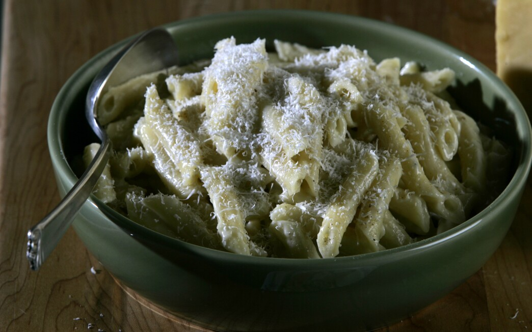 Penne with five American cheeses