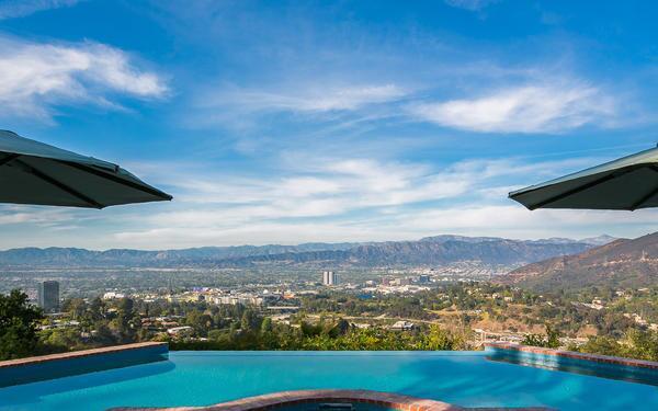 Rickey Minor sells in Hollywood Hills