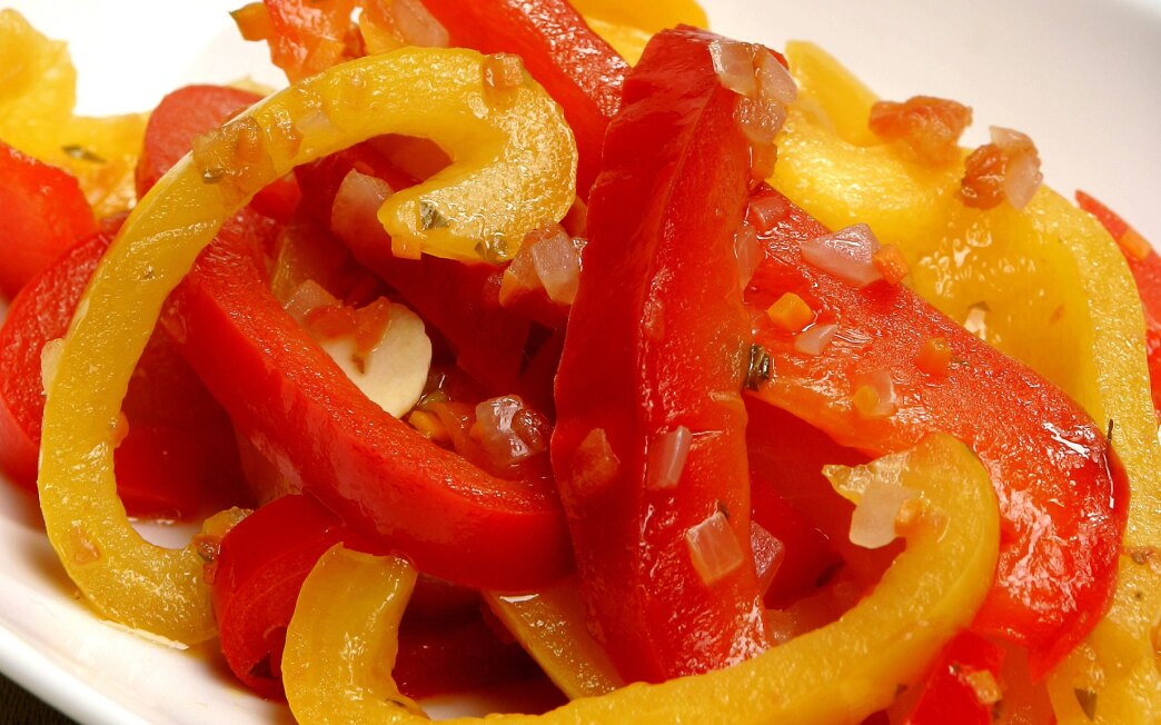 Braised peppers with balsamic vinegar