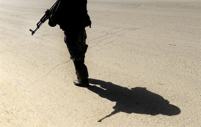 """Dos militares, uno de las Fuerzas Armadas de EE.UU. y otro del Ejército de Afganistán, fallecieron hoy durante una """"acción de combate"""" que tuvo lugar en el este del país asiático, informó la coalición internacional que lucha contra el yihadismo en la región. EFE/Archivo"""