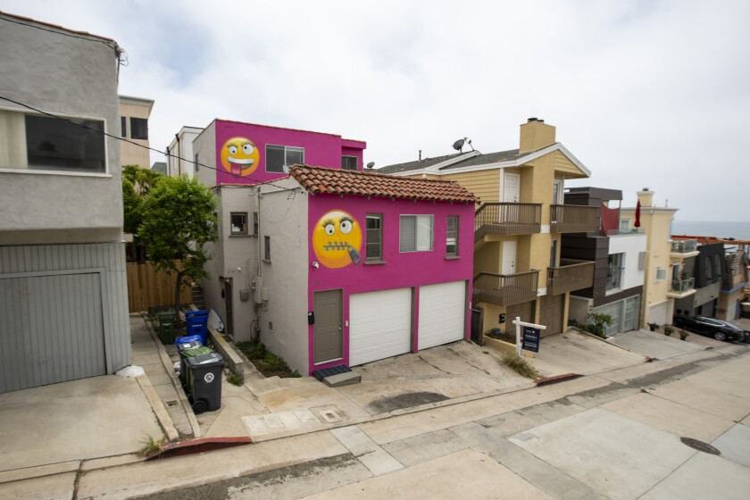 The emoji house on 39th Street in Manhattan Beach is for sale.