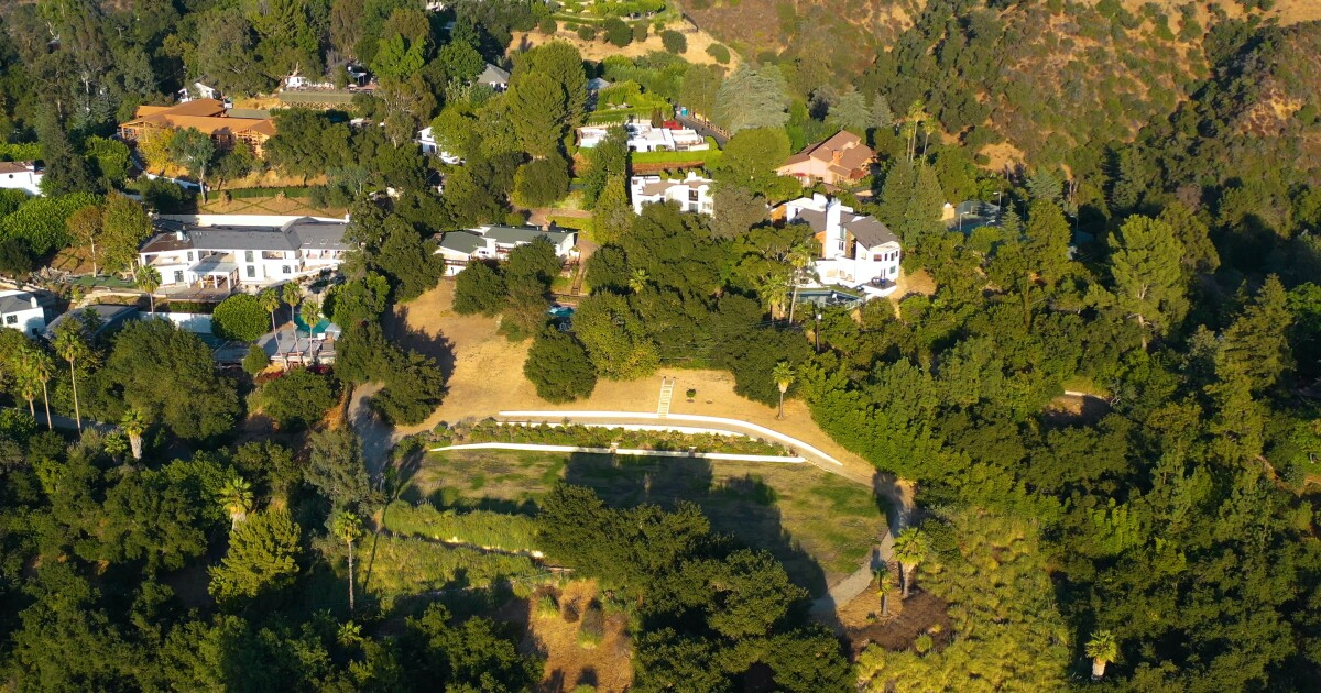 Actor Jon Voight relists huge Beverly Crest spread at $14 million