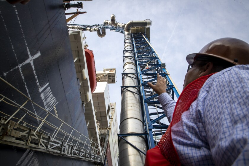 475353_la-me-ships-emissions-capture-system_12_AJS.JPG