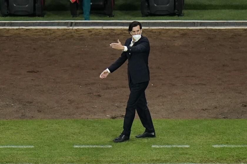 America's coach Santiago Solari