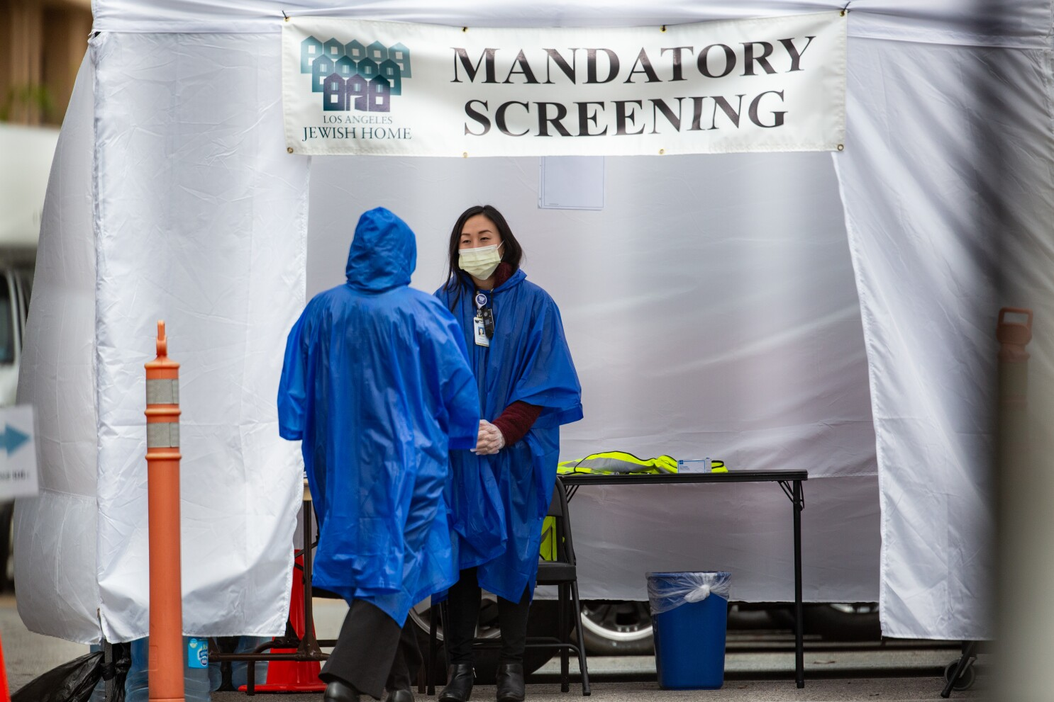 California Requires Mass Coronavirus Testing At Nursing Homes Los Angeles Times