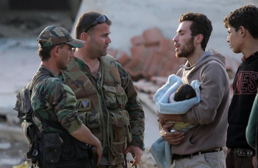 """La ONU alertó hoy de la situación """"catastrófica"""" que se vive en la provincia siria de Idleb (norte), donde más de la mitad de la población está desplazada de sus hogares y a donde siguen llegando miles de personas procedentes de áreas retomadas por el Gobierno. EFE/Archivo"""