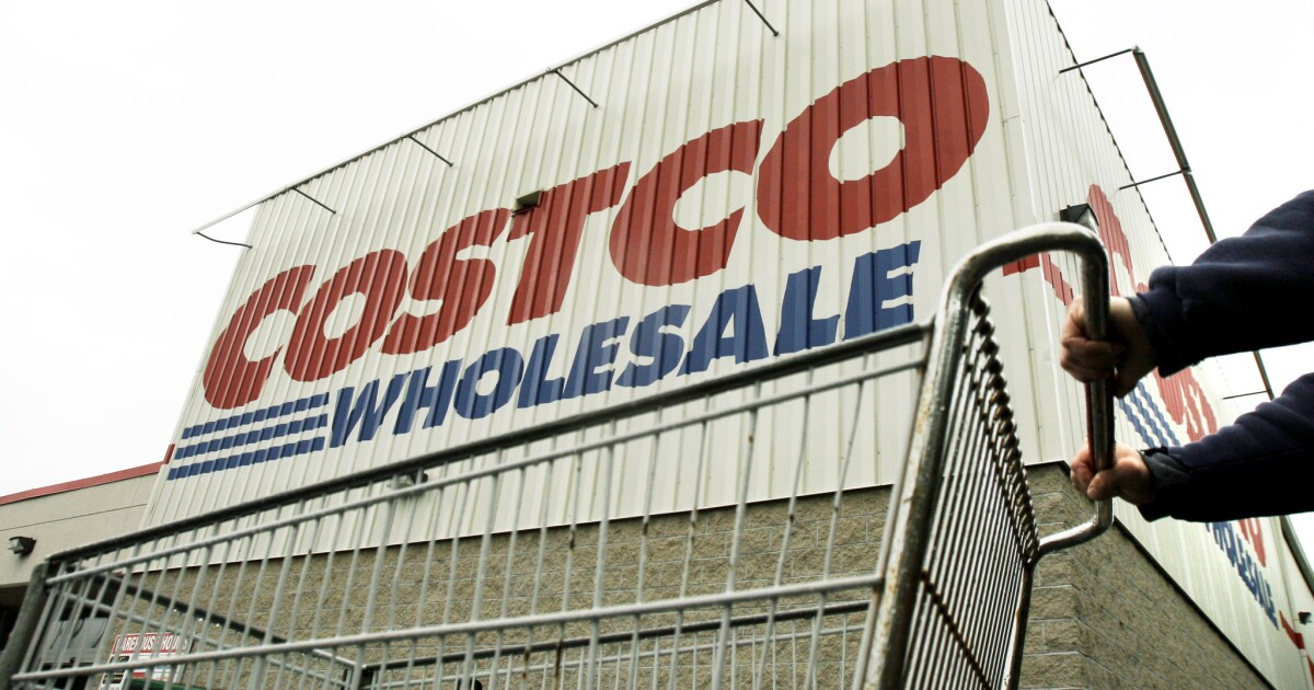 31 workers at four Bay Area Costcos are infected by COVID-19