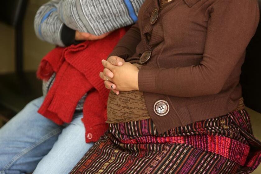 Fotografía de una mujer embarazada en Puerto Rico. EFE/Archivo