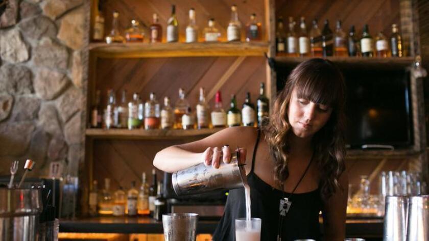 Mixologist Sarah Ellis at Sycamore Den. (/ Brogen Jessup Photography)
