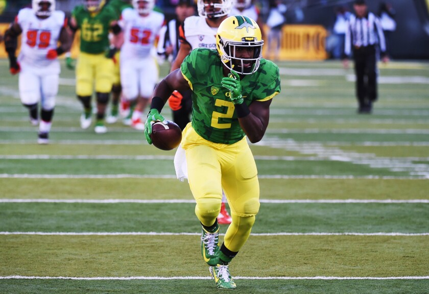 Busy day for Oregon Ducks with demotion and three departures