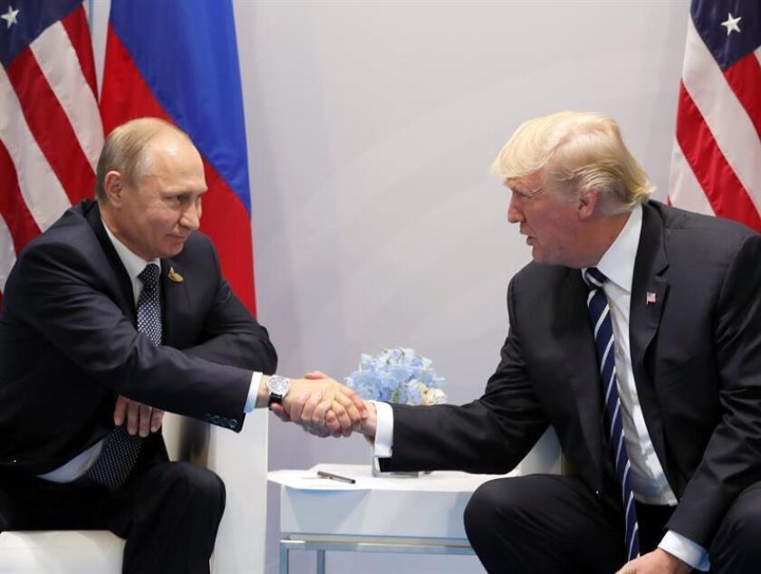 Otro exasesor de Trump convocado a testificar ante gran jurado por trama rusa