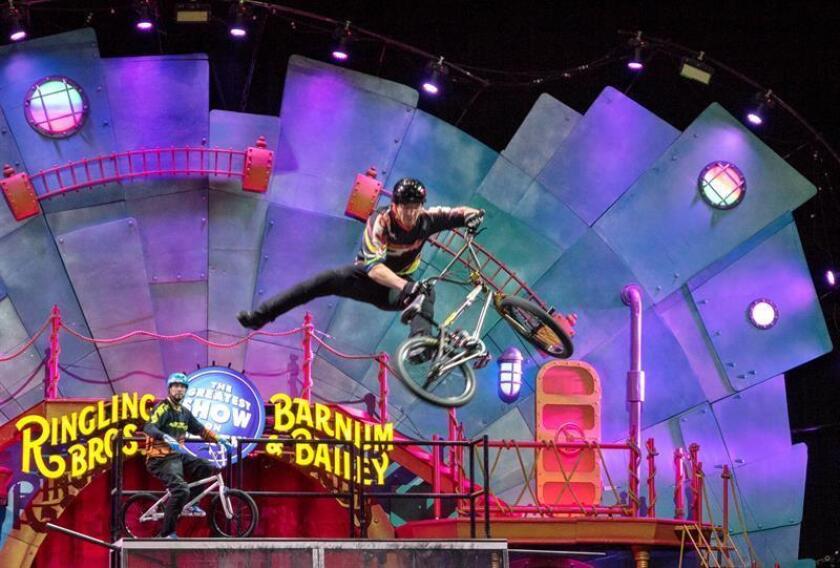 El emblemático circo Ringling echará el telón para siempre tras 146 años de espectáculo trashumante, derrotado por las bajas ventas y, en especial, por la tenaz oposición de los activistas a favor de los derechos de los animales. EFE/ARCHIVO