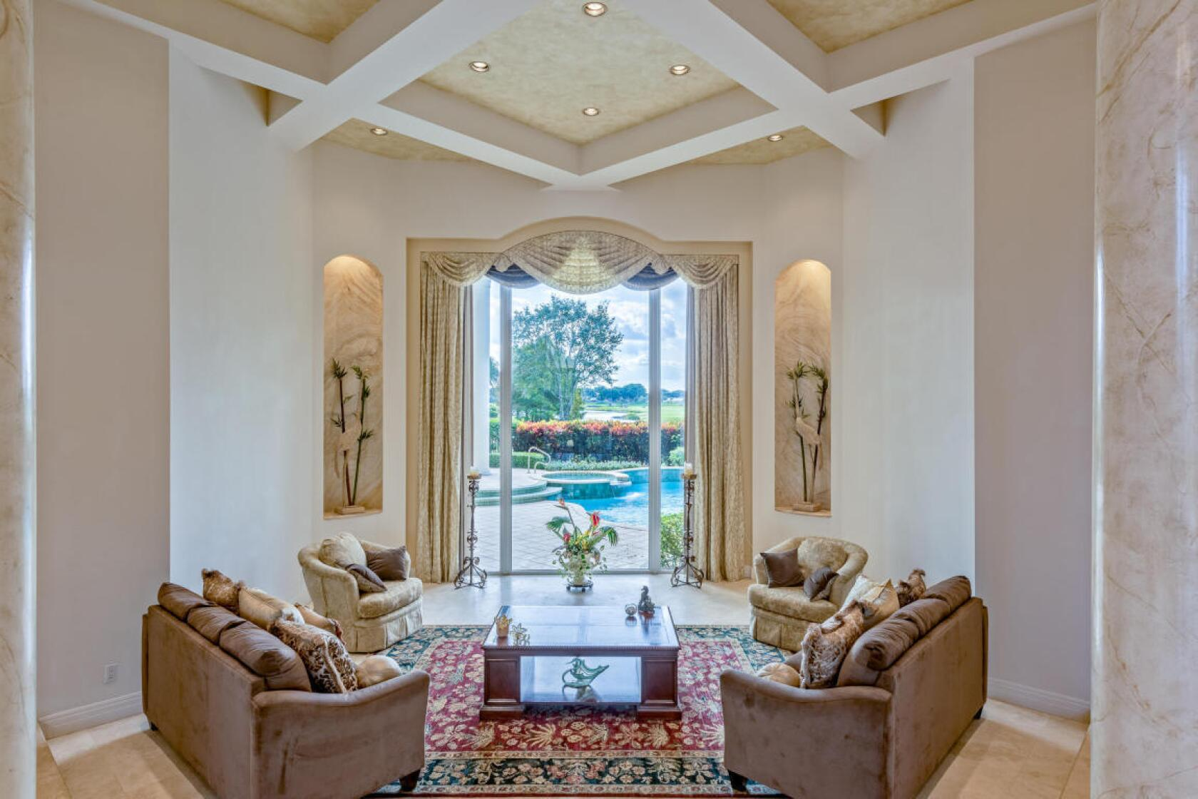Ben Carson S Palatial Pad In West Palm Beach Sells For 920 000