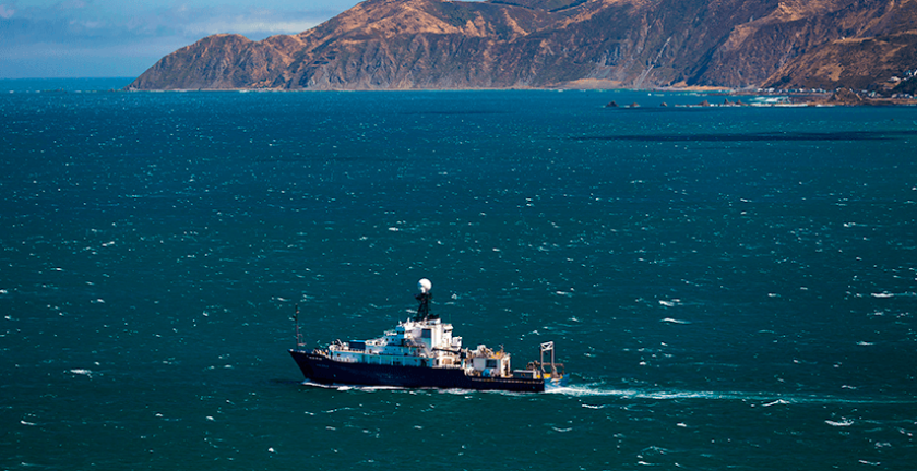 The R/V Roger Revelle recently studied earthquake and seismic threats off New Zealand