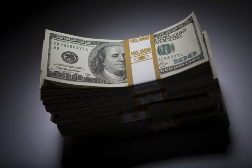 Long-term deficit is chief fiscal problem facing U.S., survey says