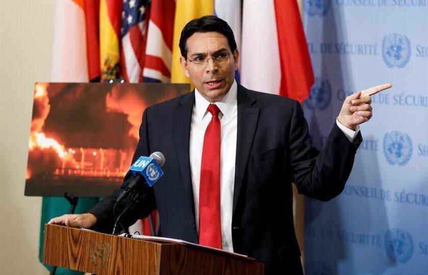 El embajador israelí ante la ONU, Danny Danon, ofrece declaraciones a la prensa al inicio de un Consejo de Seguridad de la ONU en la sede del organismo en Nueva York (Estados Unidos), el 15 de mayo del 2018. EFE/Archivo