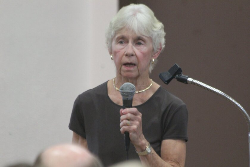 Limited Off Leash Access (LOLA) beach supporter Nancy Linck addresses the Town Council.