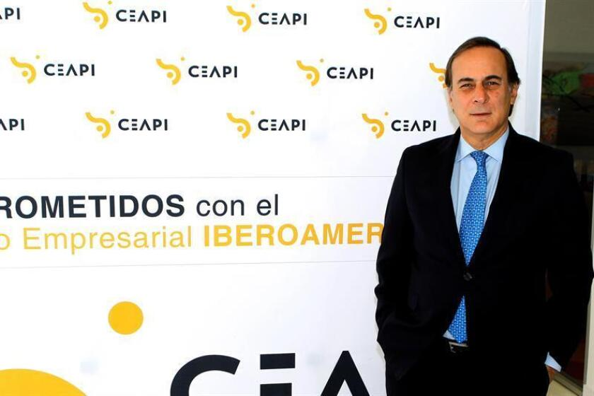 El presidente del Consejo Coordinador Empresarial (CCE), que agrupa a las organizaciones empresariales mexicanas, Juan Pablo Castañón, durante una entrevista con Efe en la que ha asegurado que la renovación del acuerdo comercial entre México y la UE permitirá a la economía mexicana diversificar aún mas sus mercados. EFE