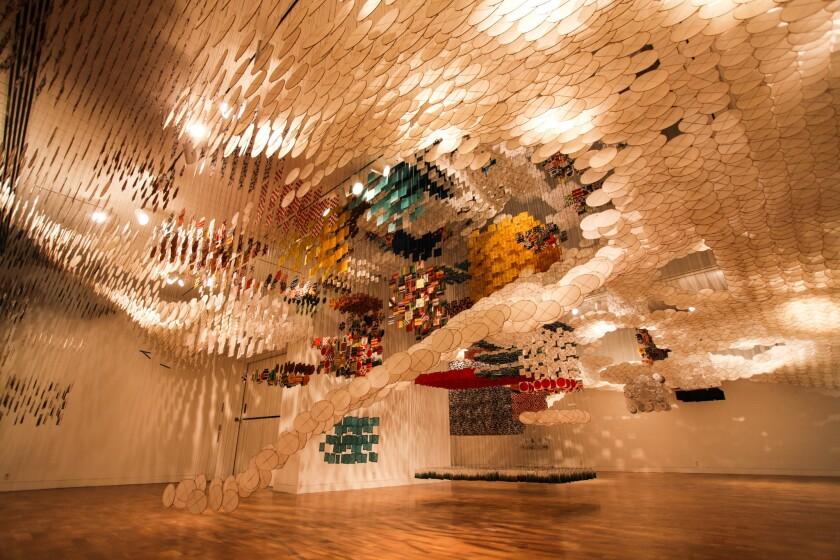 Review: Jacob Hashimoto's 'Gas Giant' takes powerful shape