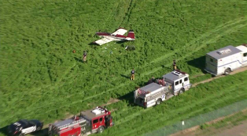Autoridades responden al llamado de emergencia; una avioneta se estrelló, aparentemente al tratar de aterrizar. KTLA.