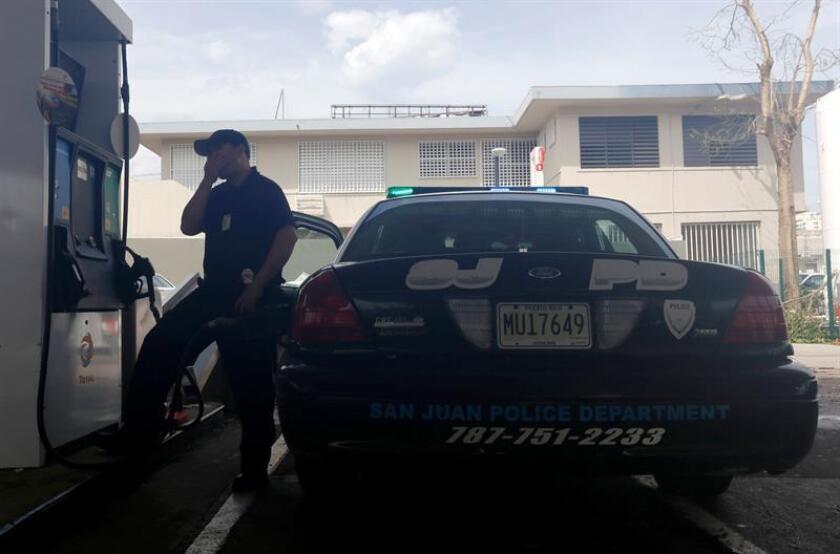 La Secretaria de Justicia de Puerto Rico, Wanda Vázquez, y la fiscal de distrito de Ponce, Marjorie Gierbolini, informaron que hoy se presentaron tres cargos por violación a la Ley 54 contra un agente del negociado de la Policía de Puerto Rico por hechos ocurridos en Yauco. EFE/Archivo