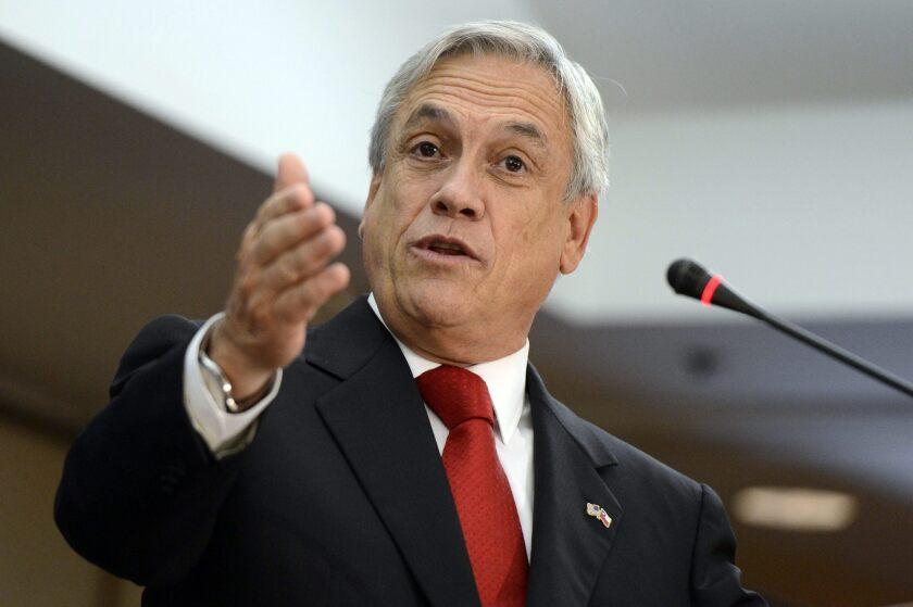 """El expresidente chileno y eventual candidato a un nuevo mandato Sebastián Piñera planteó reformar las leyes de inmigración para facilitar la expulsión de """"indeseables""""."""