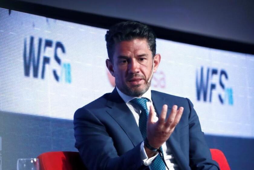El empresario mexicano Alejandro Irarragorri, presidente del club Santos Laguna y de la firma Orlegi Deportes, durante su intervención en la III edición del World Football Summit, celebrado hoy en Madrid. EFE