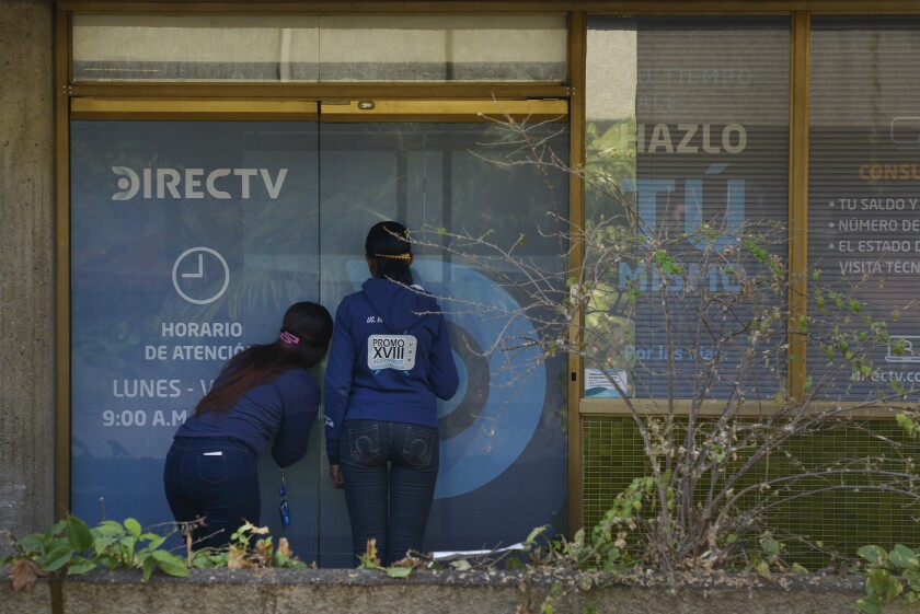 AT&T is under pressure to defy Maduro's censors