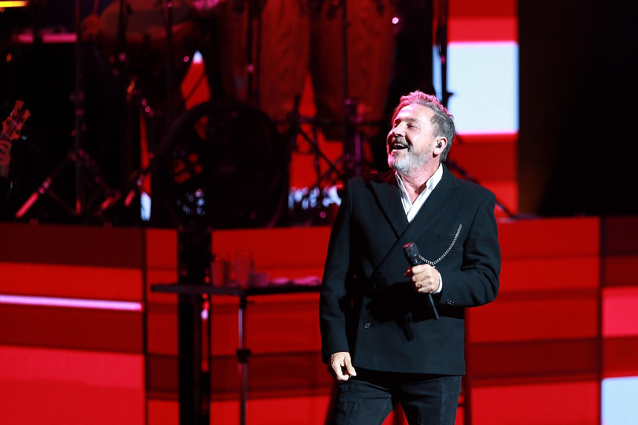 "Ricardo Montaner performs onstage during his ""Ida y Vuelta Tour"" at the Dolby Theatre on March 31, 2018 in Hollywood, CA. (Photo by © Art. Garcia/DDPixels.com)"