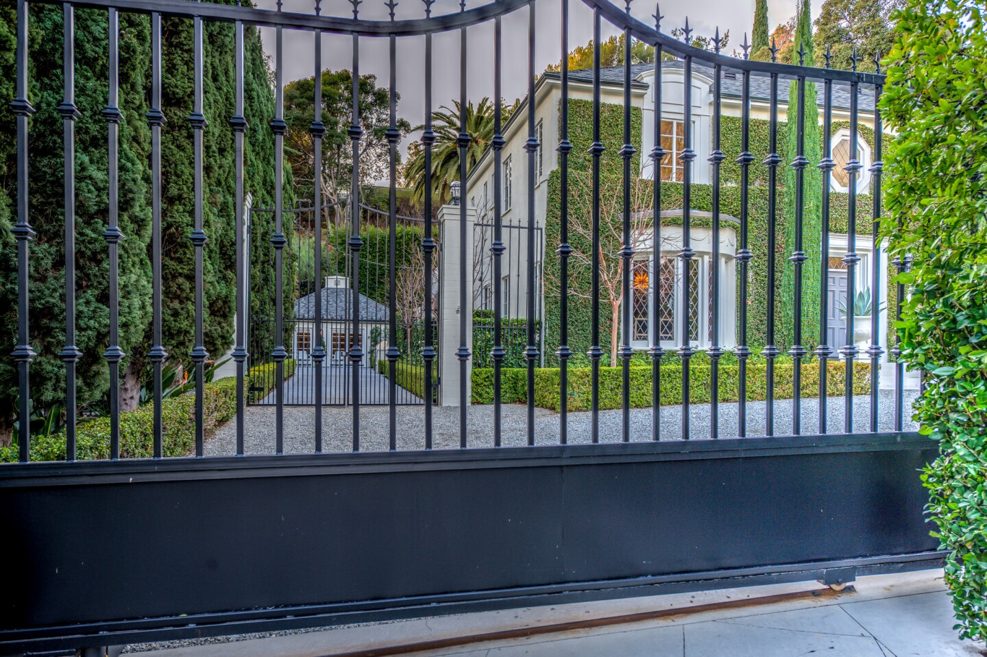 Home of the Day: Ivy & elegance in Hollywood Hills West