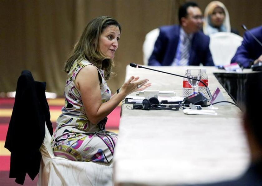 La ministra de Asuntos Exteriores de Canadá, Chrystia Freeland, asiste a la Reunión Ministerial ASEAN-Canadá durante la 51? cumbre de ministros de Asuntos Exteriores de la Asociación de Naciones del Sudeste Asiático (ASEAN), el viernes 3 de agosto de 2018, en Singapur. EFE/Archivo