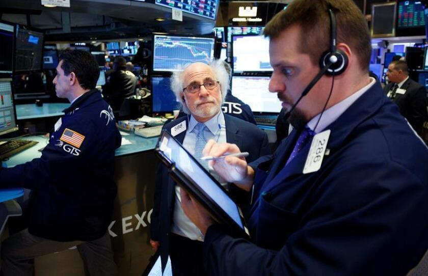 Wall Street cierra con ganancias y un nuevo récord en el índice del Nasdaq