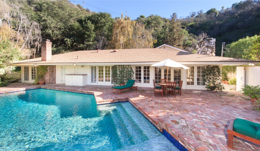 Liza Minnelli S Former Beverly Hills Home Goes Up For Rent