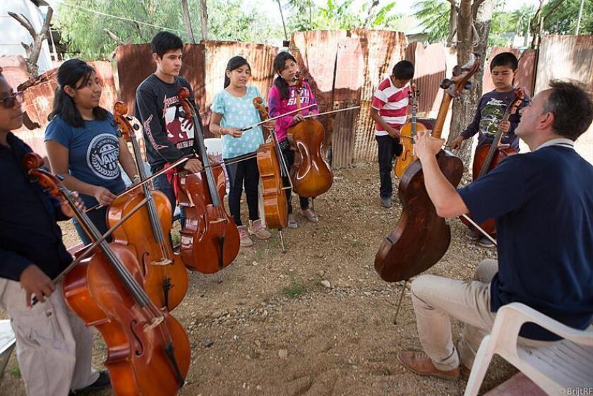 La música, una vía para el desarrollo e integración de los niños de Oaxaca