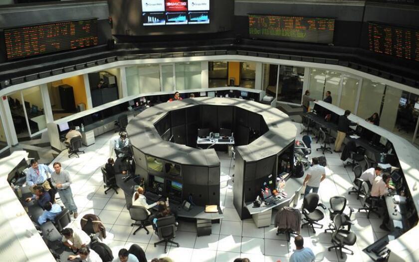 Fotografía general del interior de la Bolsa Méxicana de Valores (BMV). EFE/Archivo