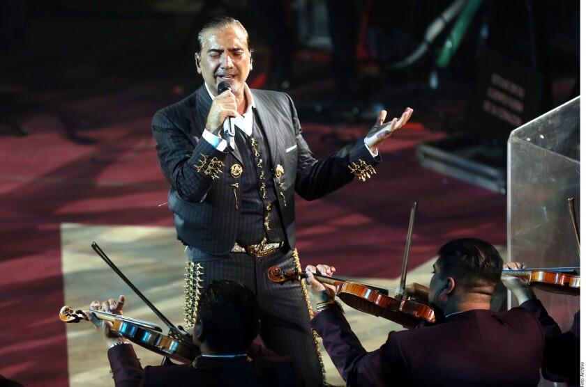 Un video del cantante, quien se presentó en el palenque de la Feria de Querétaro, del 7 al 9 de diciembre, circula en redes sociales.