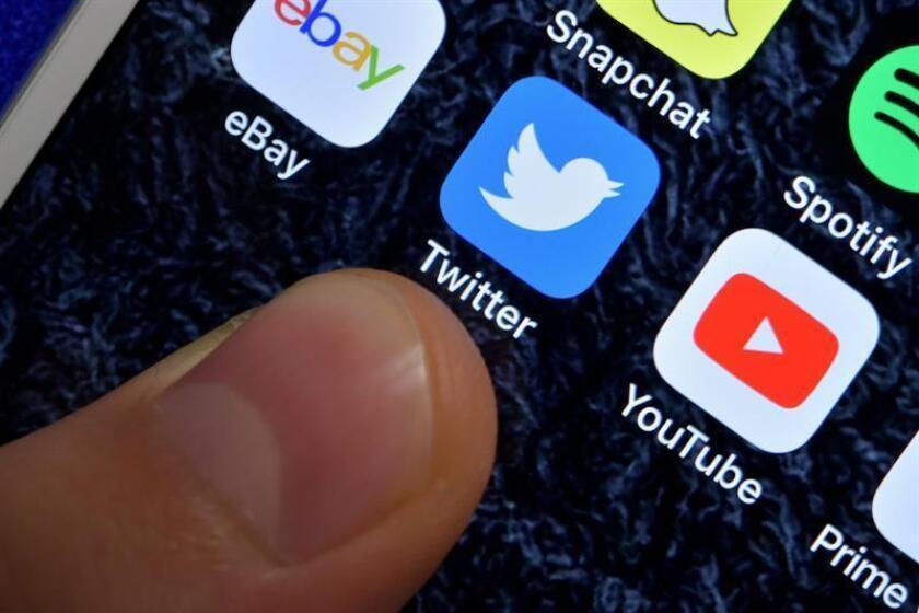 """La red social Twitter ganó 950,3 millones de dólares en los primeros 9 meses del año frente a las pérdidas de 199,1 millones que acumulaba en ese periodo de 2017, en parte debido al """"éxito"""" de su negocio publicitario en el último trimestre. EFE/Archivo"""