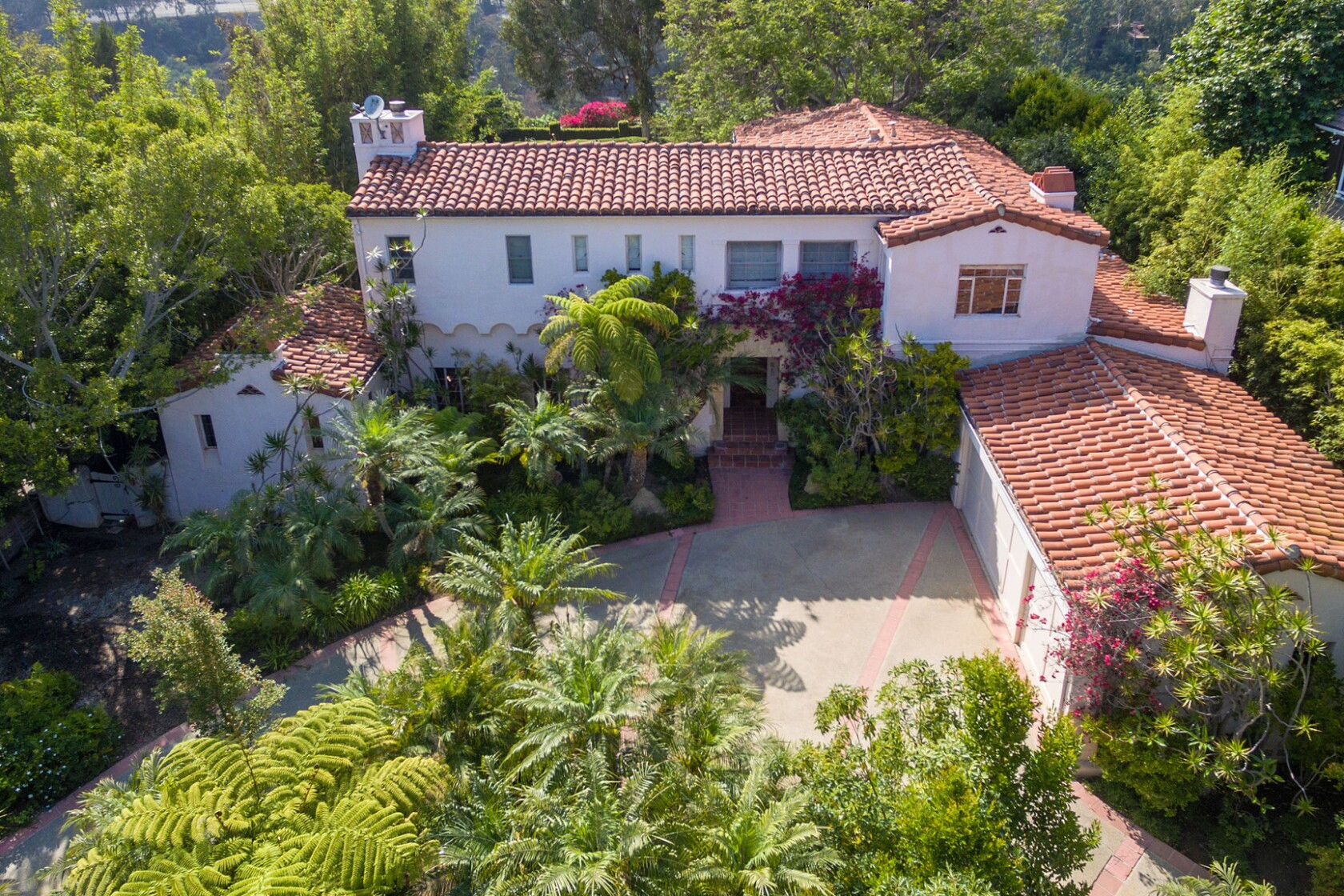 Tom Hanks makes a big splash on the Westside with pair of home sales