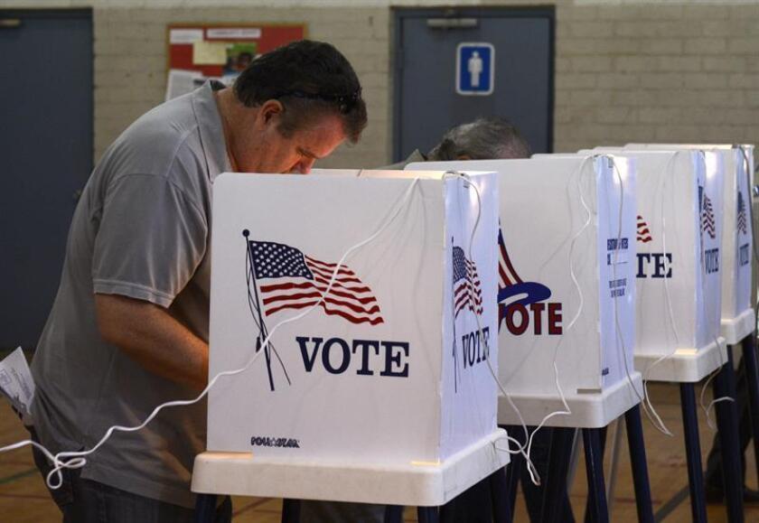 """El """"efecto Trump"""" se ha apoderado de la mayoría de las elecciones a nivel local y federal en Arizona, donde el tema de la inmigración indocumentada y la seguridad de la frontera domina unas reñidas contiendas electorales. EFE/Archivo"""