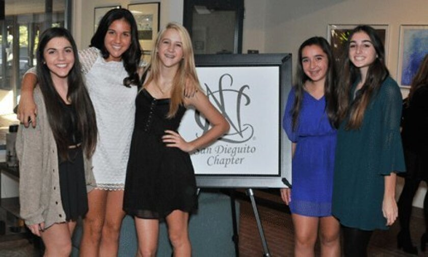 Lauren Sinasohn, Isabel Palmer, Kelly Huppert, Caroline Lidl, Ashley Levinson