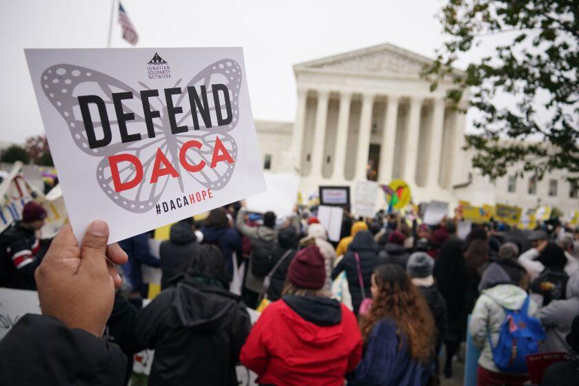 Activistas de los derechos de los inmigrantes participan