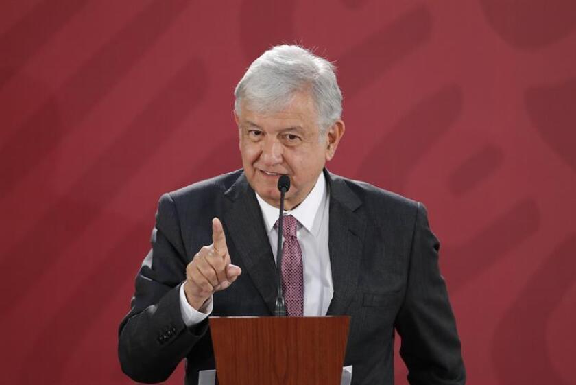 El presidente de México, Andrés Manuel López Obrador, ofrece una rueda de prensa en el Palacio Nacional, en Ciudad de México (México). EFE