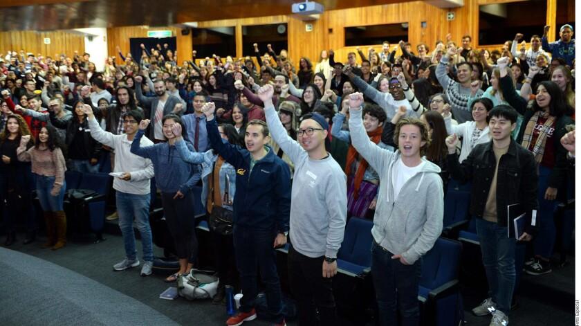El titular de la Coordinación de Relaciones y Asuntos Internacionales (CRAI) de la UNAM, Francisco Trigo, detalló que los jóvenes son alumnos de 135 instituciones de educación superior de 31 países.