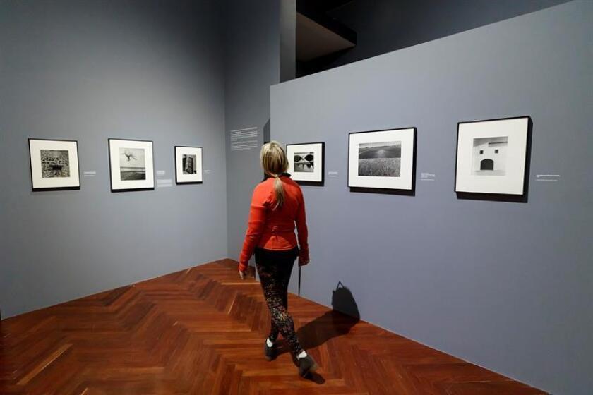 Vista de hoy, miércoles 13 de marzo de 2019, de la exposición fotográfica Brassaï, El ojo de París, que será inaugurada este viernes 15 de marzo en el Palacio de Bellas Artes de la Ciudad de México. EFE