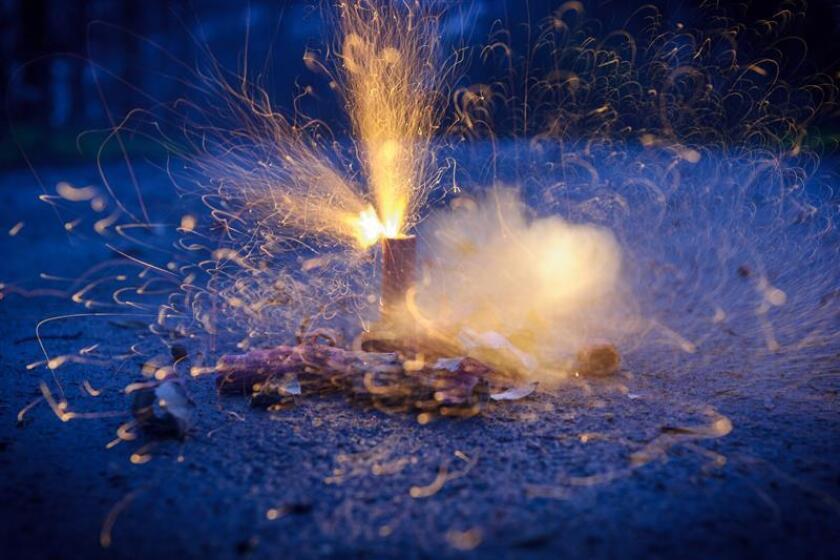 El 60 % de los accidentes durante los festejos del 15 de septiembre tienen que ver con cohetes y pólvora en niños de entre 5 y 14 años de edad, mientras que el 5 % de los accidentes suelen provocar quemaduras graves. EFE/EPA/Archivo
