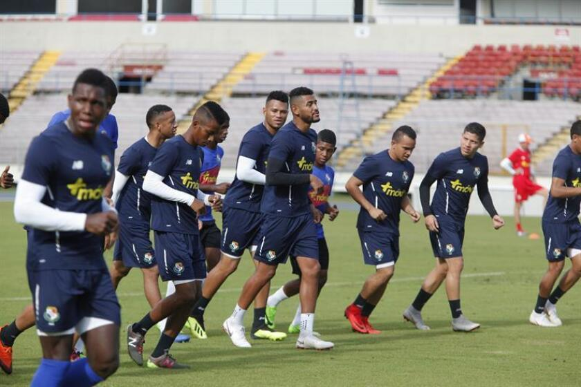 En la imagen, un registro de un entrenamiento de los jugadores de la selección de fútbol de Panamá. EFE/Archivo