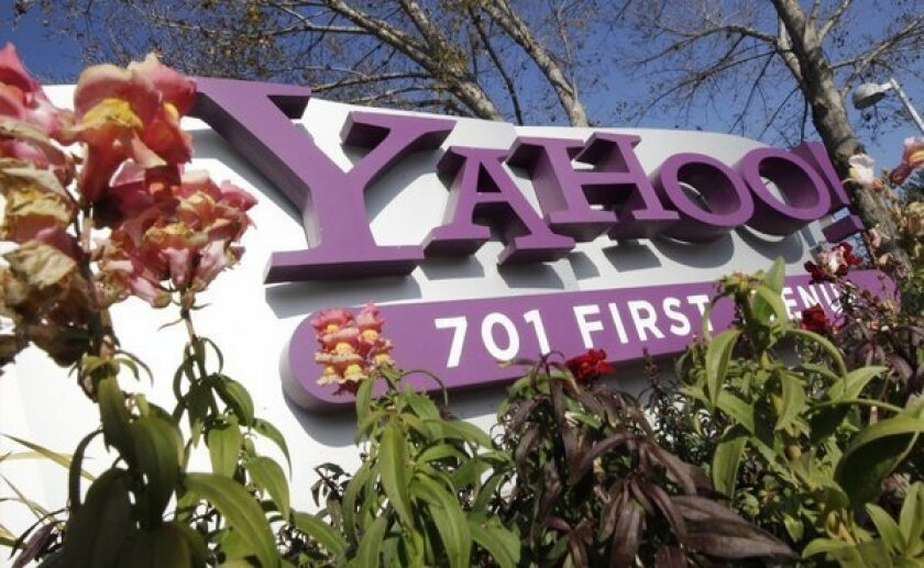 Apple and Yahoo said to be in talks for deeper iPhone partnership